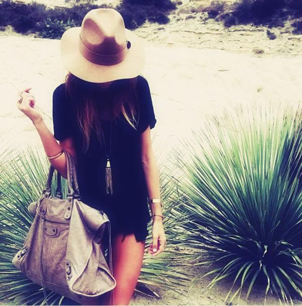 beach-wear-fashion-accessories