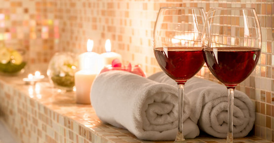 relaxing-atmosphere-with-wine-and-candles