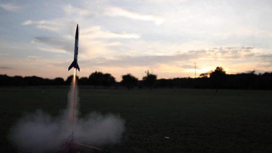 model-rocket-launch-1024x576