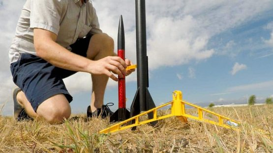 model-rocket-launch 2