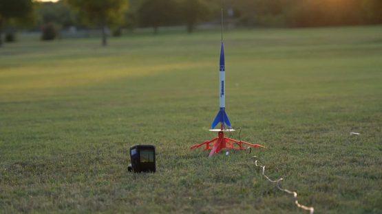 model-rocket-launch-pad-1024x576