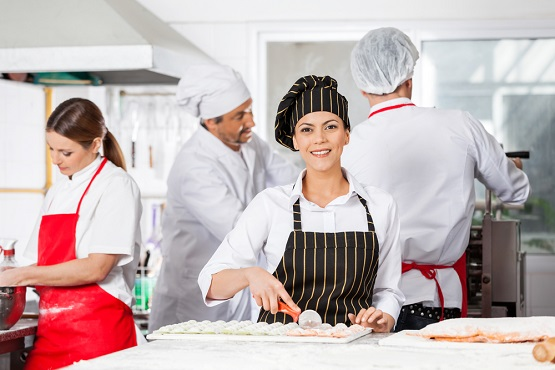 Aprons-in-the-Hospitality-Industry